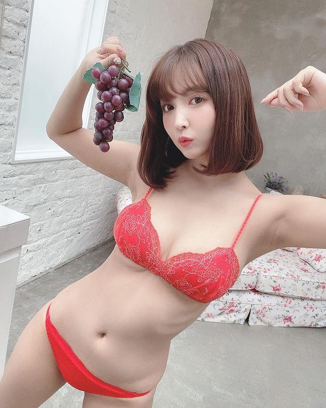 Yua Mikami tung ra vlog mới, liên tục rên rỉ, than đau nhưng kiếm tới gần nửa triệu view sau ít giờ