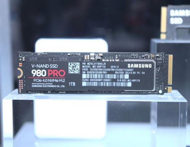 """Top 7 chiếc ổ cứng SSD đáng rước về để nâng cấp cho dàn PC, load Windows 10 """"xé gió"""""""