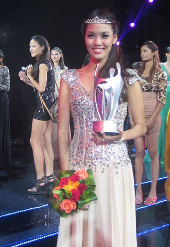Siêu mẫu Việt – Đời người mẫu: Lan Khuê, Minh Tú – mẫu số chung từng out top đến vinh danh toả sáng