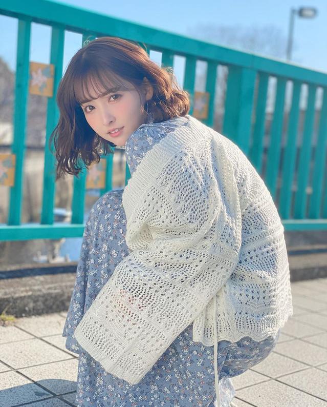 """Yua Mikami bất ngờ lộ ảnh """"giường chiếu"""" hiếm có khó tìm, các fan thương cảm chắc làm việc vất vả lắm"""