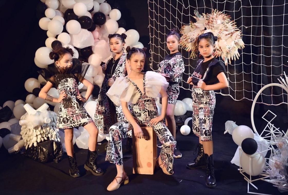 125 người mẫu và vũ công nhí tham gia chương trình thời trang nghệ thuật đặc biệt