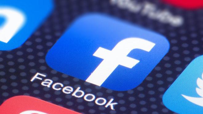 """Facebook nói gì về thông tin """"khóa tài khoản cá nhân bán hàng online""""?"""