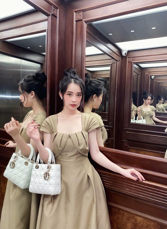 """""""Hot girl cover triệu view"""" Phạm Thu Hằng khoe vẻ quyến rũ trong loạt ảnh đón tuổi mới"""