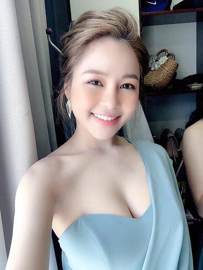 Hot girl Trâm Anh nhảy sexy dance để giảm cân