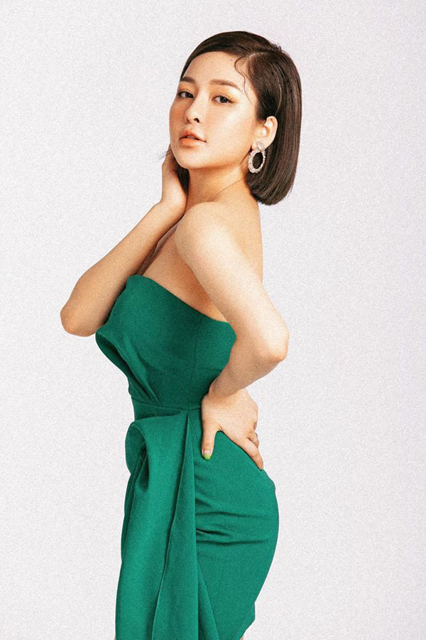 Hot girl Trâm Anh bị đồn yêu đại gia vì gu mặc gợi cảm nhưng sang hơn xưa