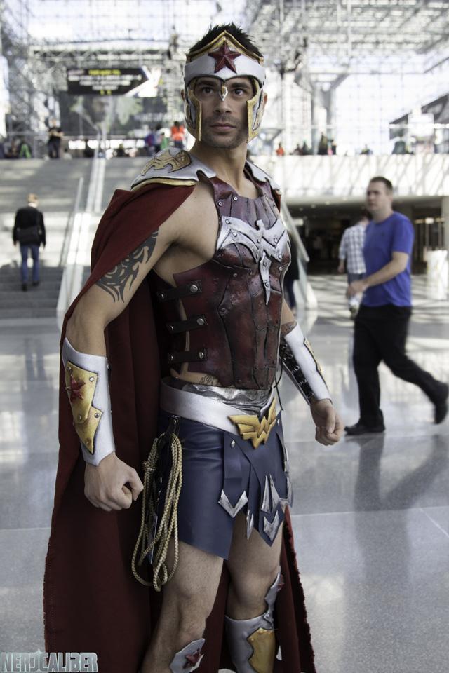 """""""Mù mắt"""" với loạt ảnh Wonder Woman phiên bản nam siêu quyến rũ dưới đây"""