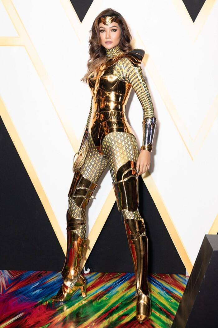 H'Hen Niê, Minh Tú đua nhau cosplay thành Wonder Woman đầy quyến rũ và táo bạo