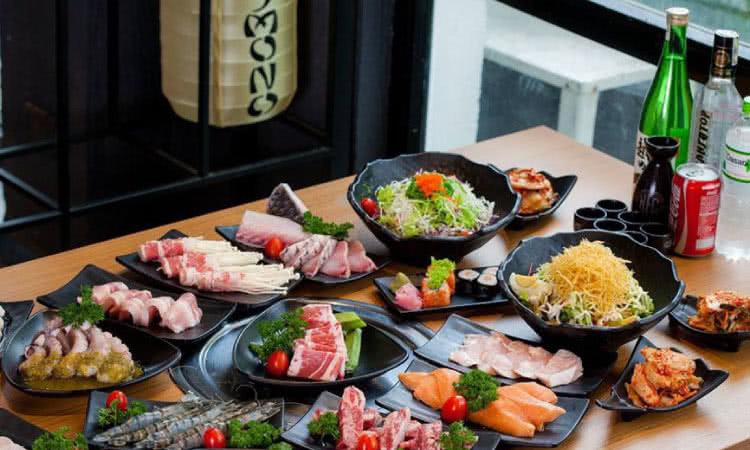 Top 12 địa chỉ ăn đông khách bậc nhất trên phố Nguyên Hồng, Hà Nội