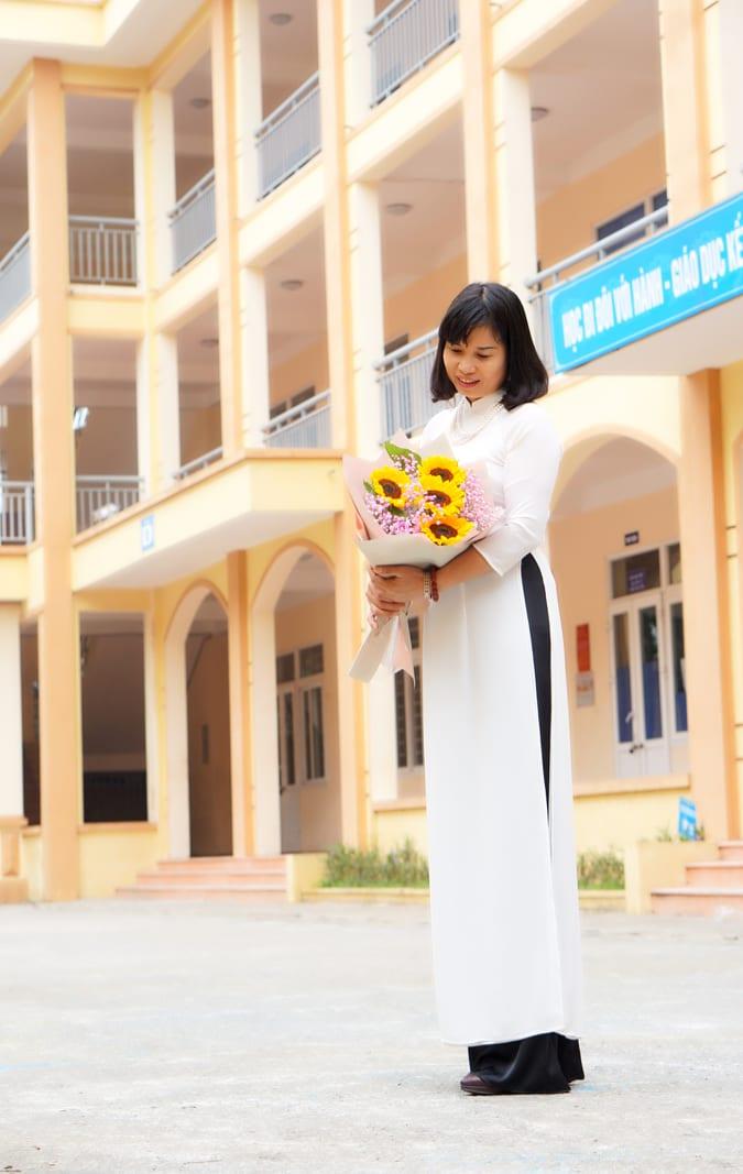 Top 20 Bài thơ tình hay của nhà thơ Khánh Hà MaiLan