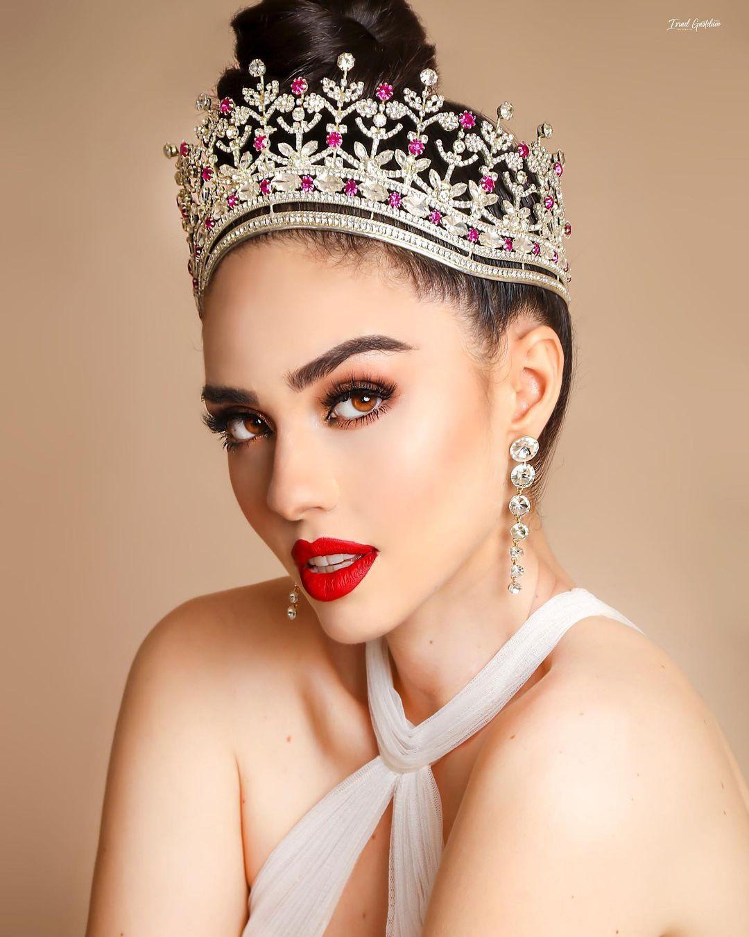 Người mẫu cao 1,79 m trở thành Hoa hậu Hoàn vũ Mexico