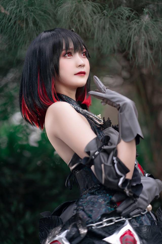 Cộng đồng game thủ mê mẩn bộ ảnh nóng bỏng mắt của nữ cosplayer Hiino Yuki