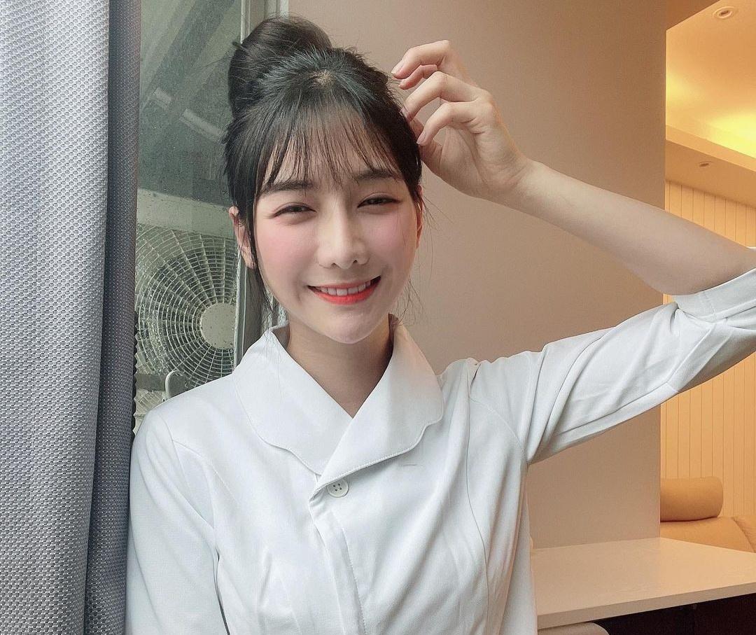 Hot girl bán cá ở Đài Loan bị chỉ trích vì không tham gia chống dịch