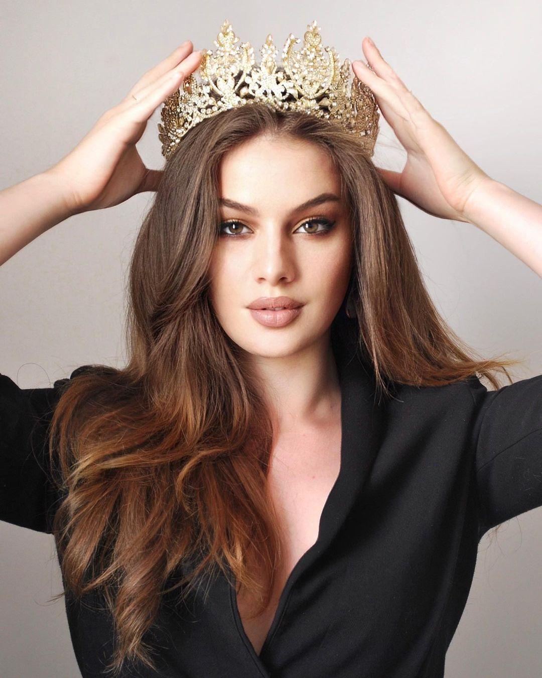 Người mẫu 22 tuổi đăng quang Hoa hậu Quốc tế Pháp 2021