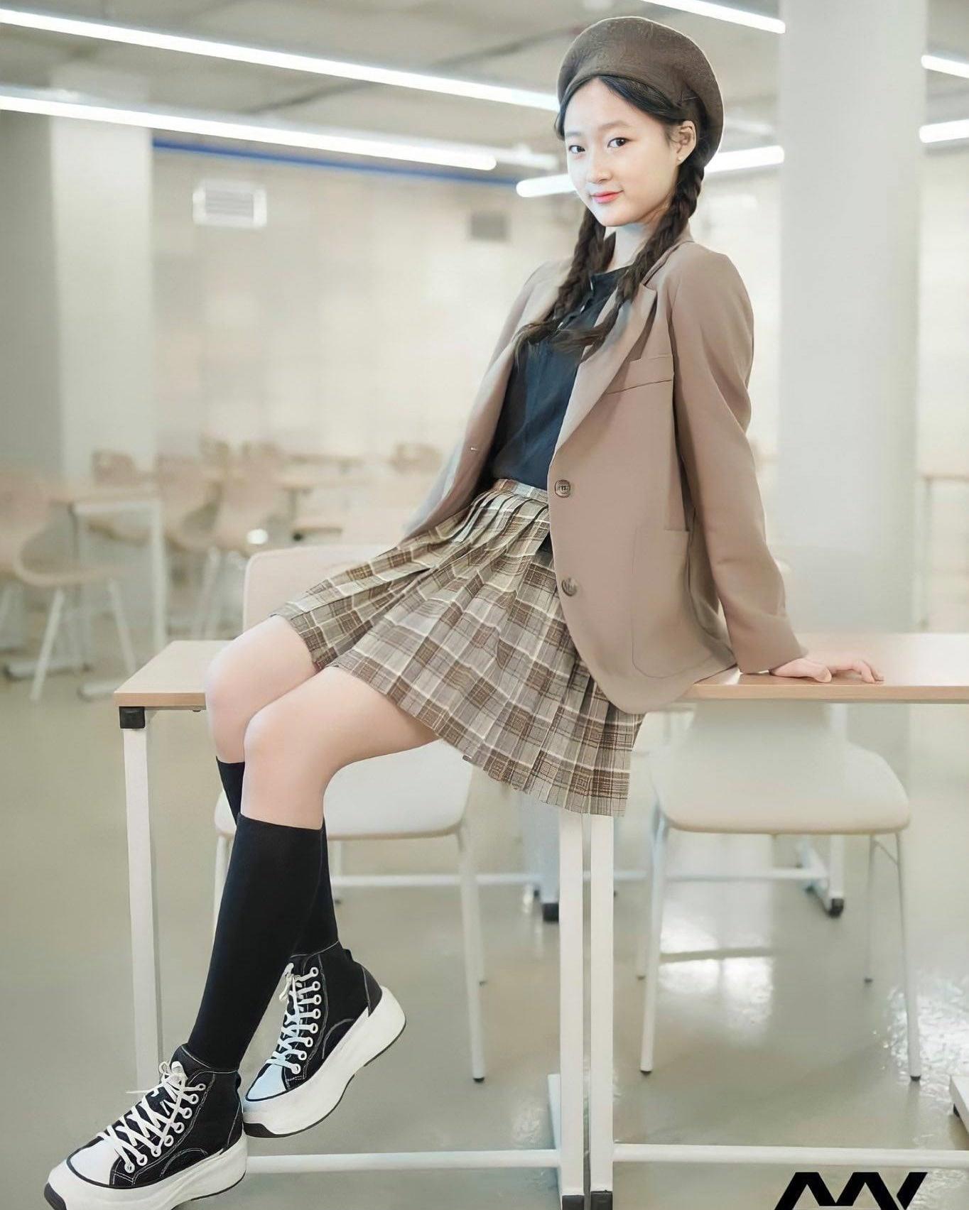 Nhóm nhạc Kpop có thành viên 13 tuổi