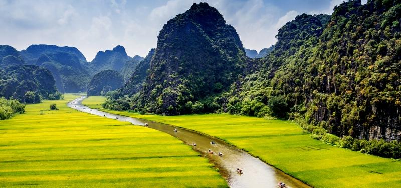 Top 10 địa danh cần ghé khi đặt chân tới mảnh đất cố đô Ninh Bình