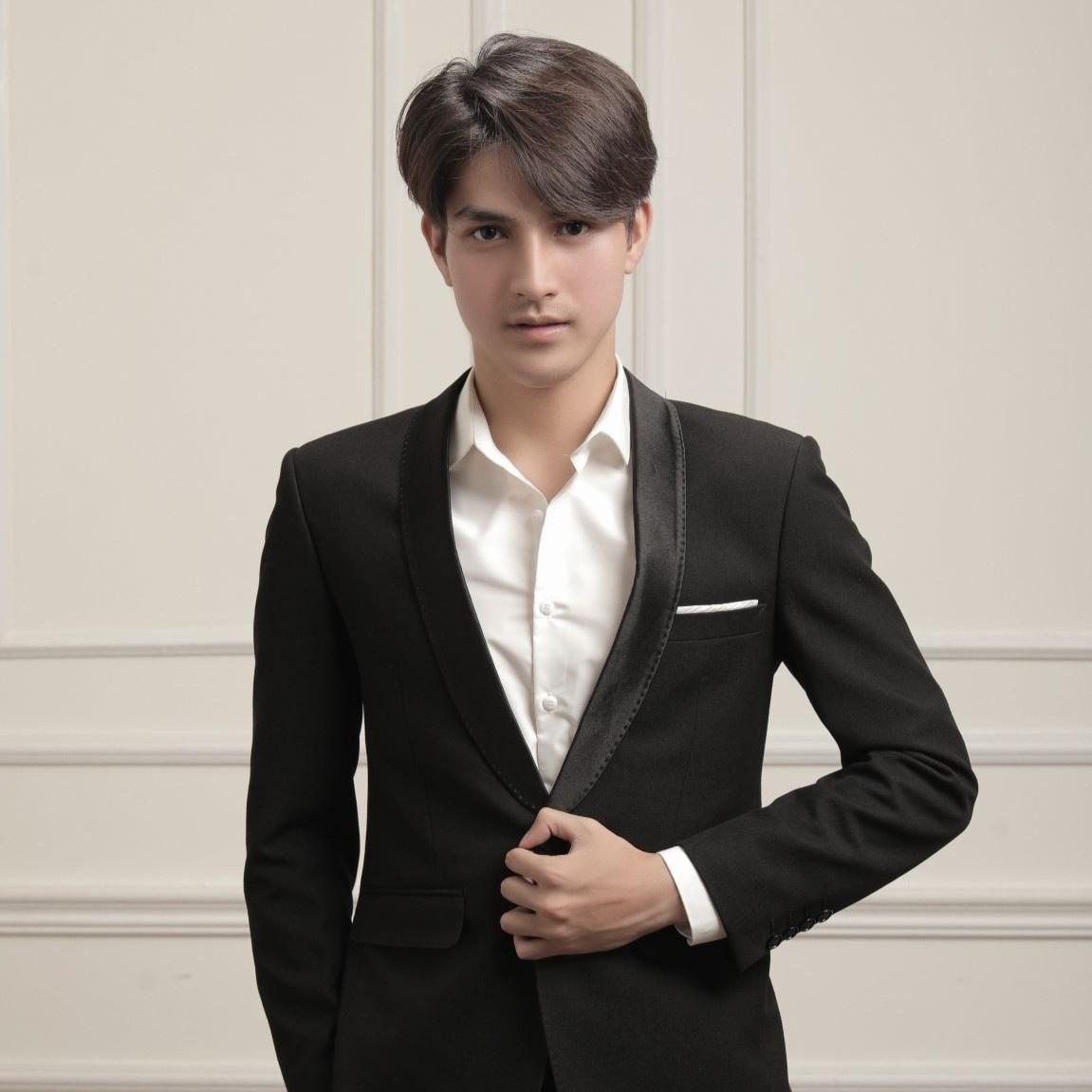 Từ danh xưng hot boy đến quyết tâm làm người mẫu ở TP.HCM