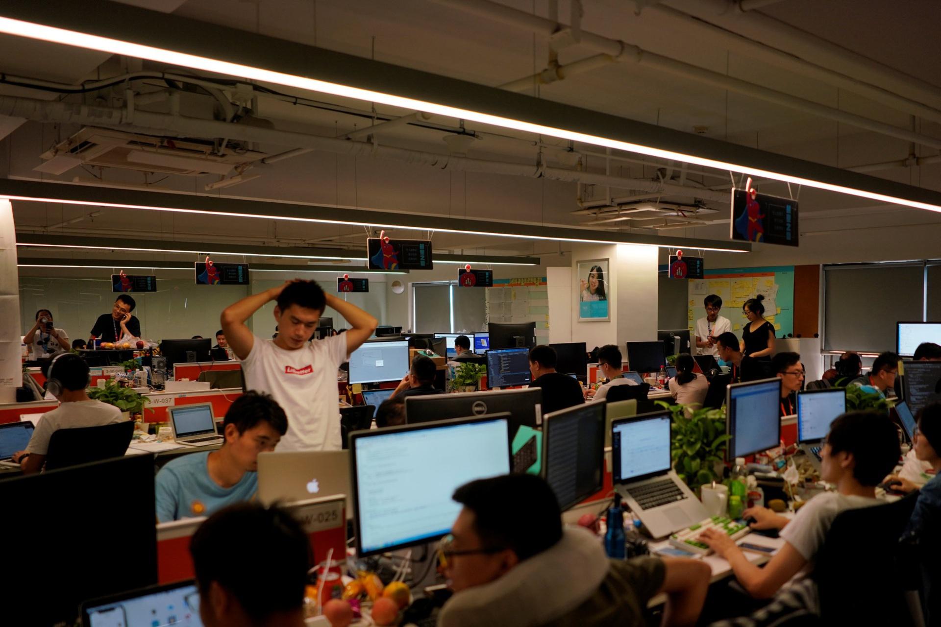 Công ty Trung Quốc quay lưng với văn hóa 996