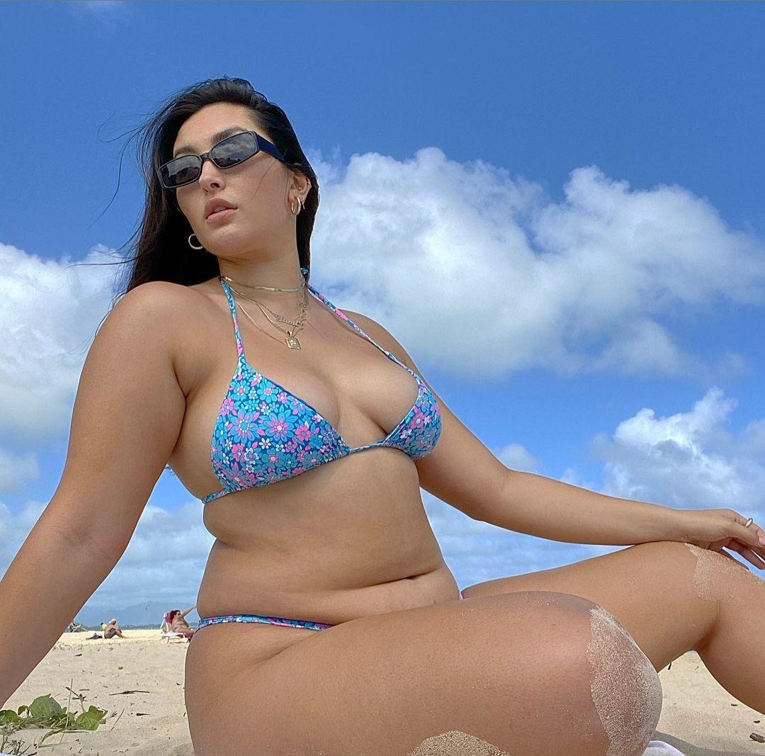 10 người mẫu bikini đi ngược tiêu chuẩn của làng thời trang