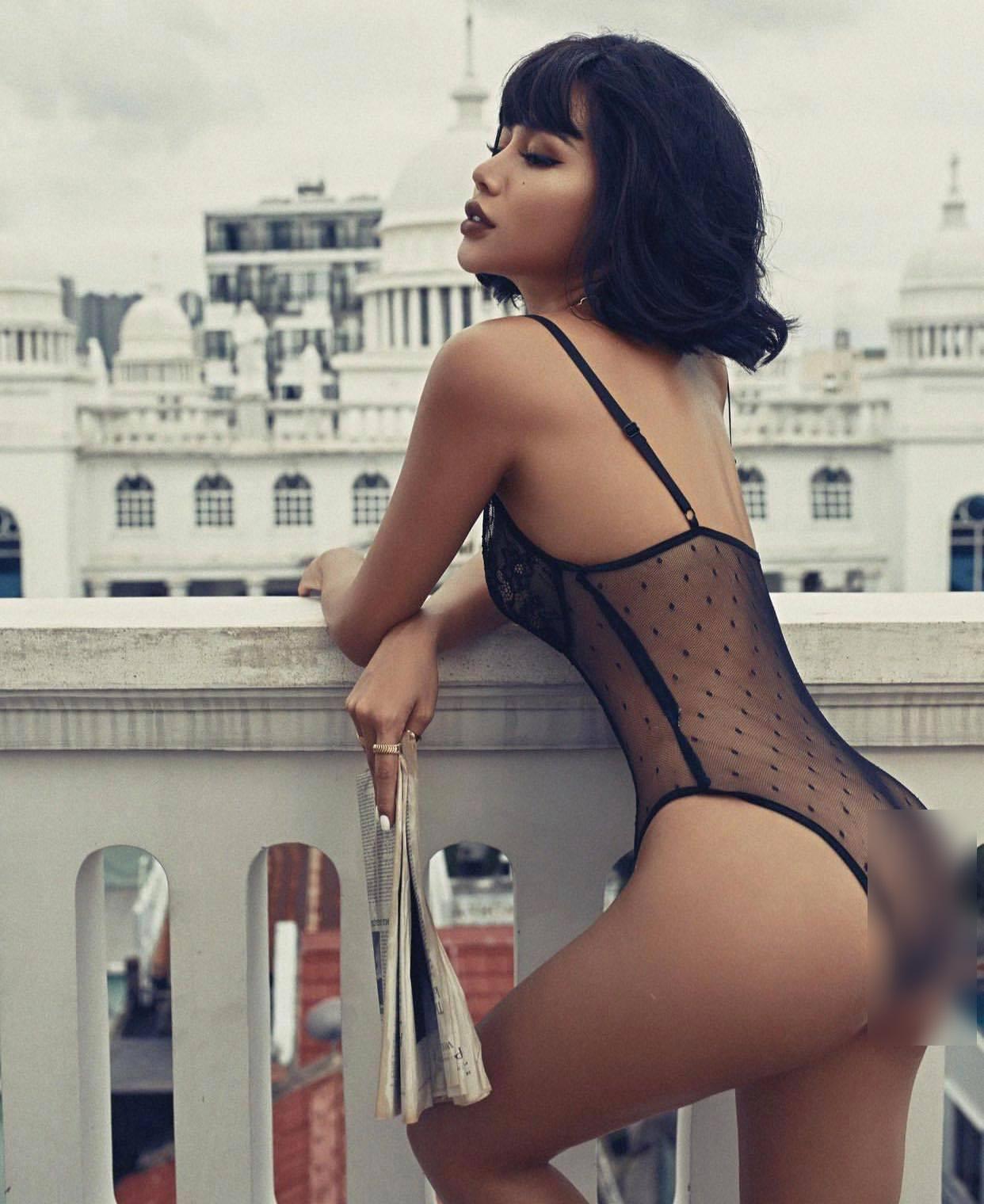 """Từng bị nhầm là hoa hậu, """"hot girl tạp hóa Đồng Nai"""" đã làm mẹ vẫn hot vì gu mặc bạo dạn"""