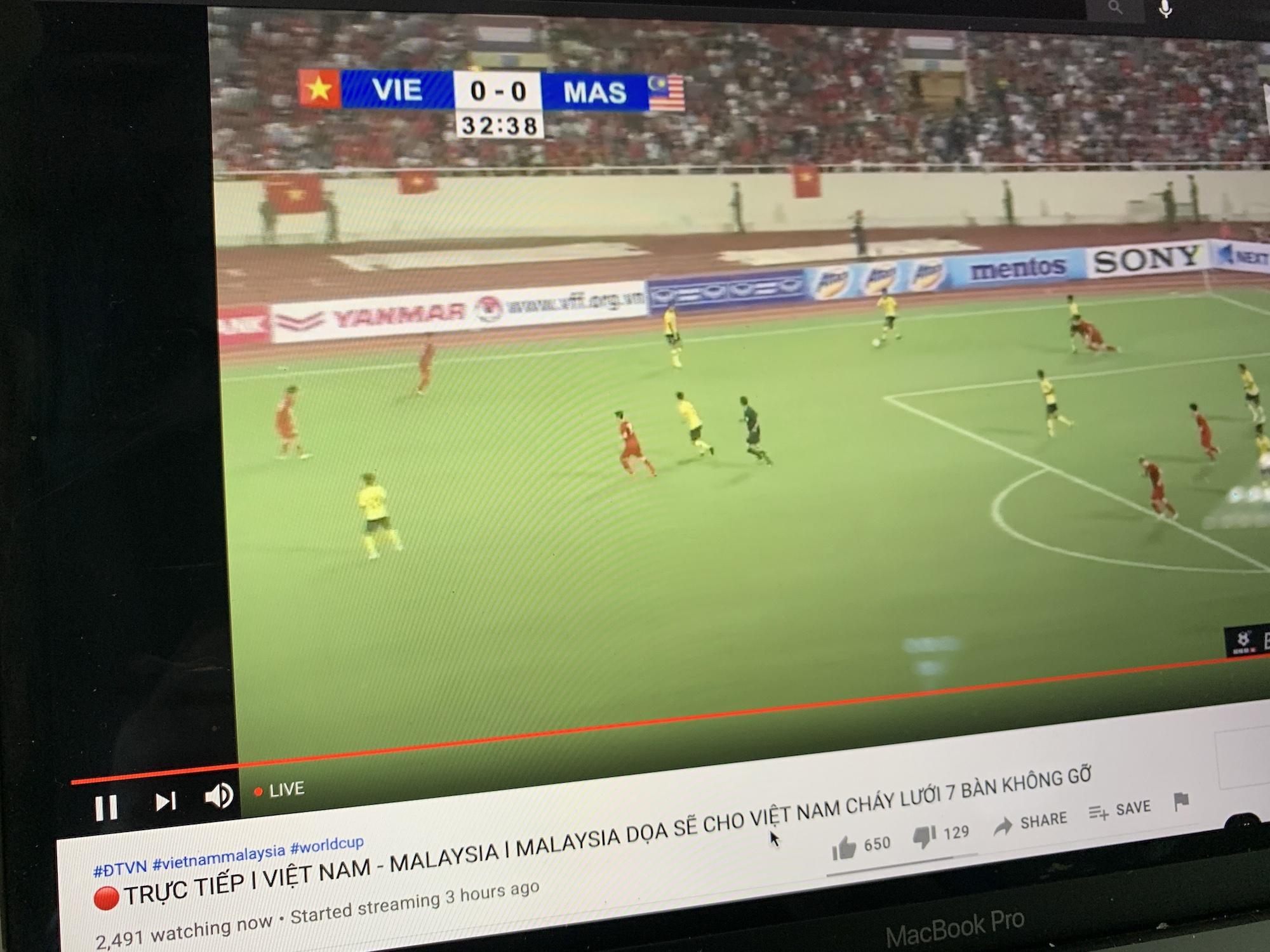 Hơn 10.000 người đang 'xem sớm' trận Việt Nam – Malaysia
