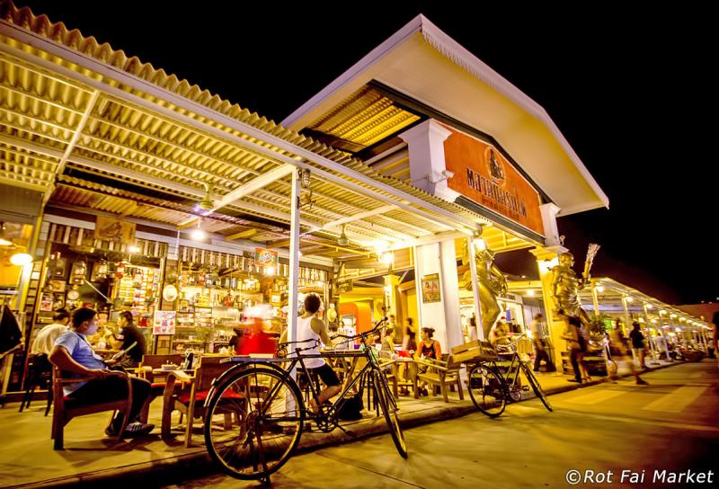 Top 10 Chợ đêm nên đến nhất tại Bangkok, Thái Lan
