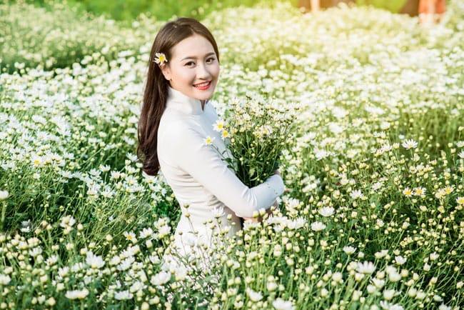 Top 20 Bài thơ hay của nhà thơ Sơn Nữ