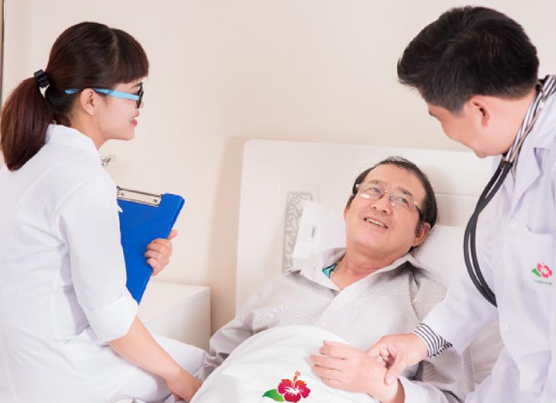 Top 10 Bài văn tả một bác sĩ hoặc ý tá đang chăm sóc bệnh nhân (lớp 5) hay nhất