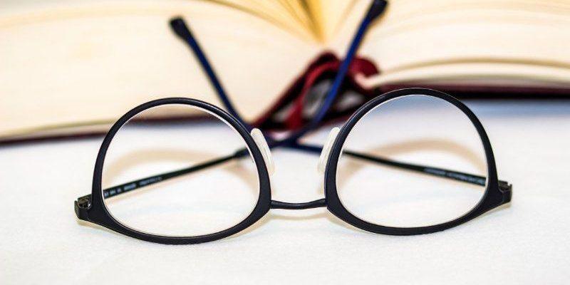 Top 12 Bài văn thuyết minh về kính đeo mắt hay nhất