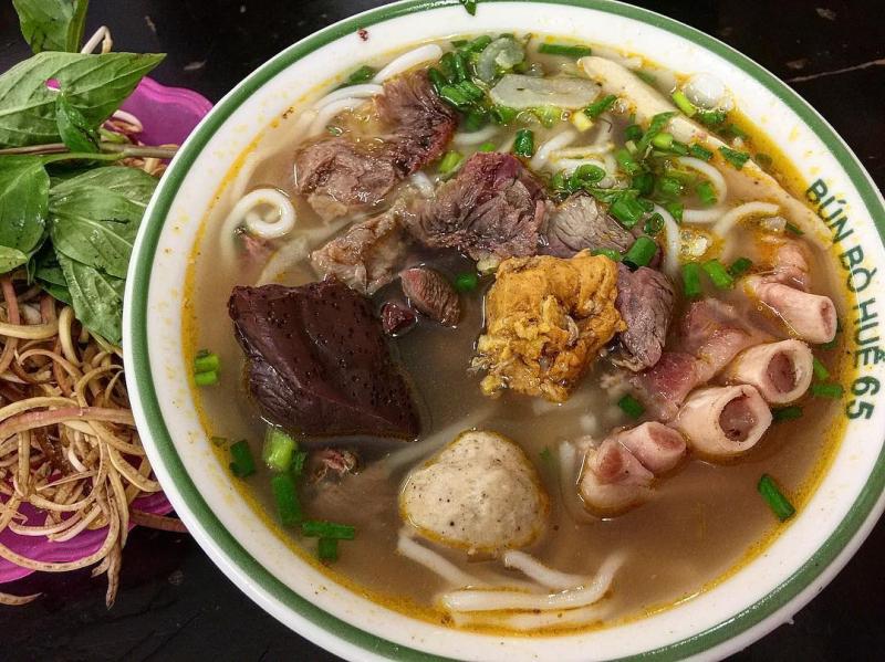 Top 10 Quán bún bò Huế ngon nhất quận Đống Đa, Hà Nội