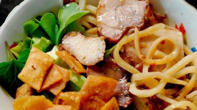 Top 11 Món ăn đặc sản ngon và hấp dẫn nhất miền Trung