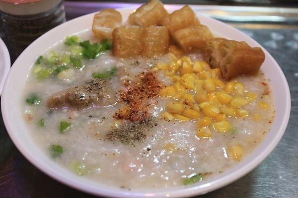 Top 10 Món ăn vặt vào buổi chiều tối ở phố cổ Hà Nội