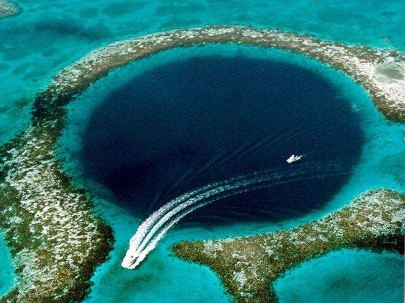 Top 11 địa điểm đẹp nhất dưới đáy đại dương