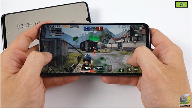 """Đây là những smartphone 3 triệu pin """"khủng"""", chơi game tốt không nên bỏ qua"""