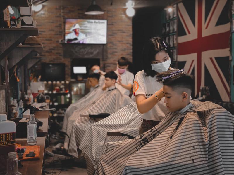Top 10 Tiệm cắt tóc nam đẹp nhất ở Huế