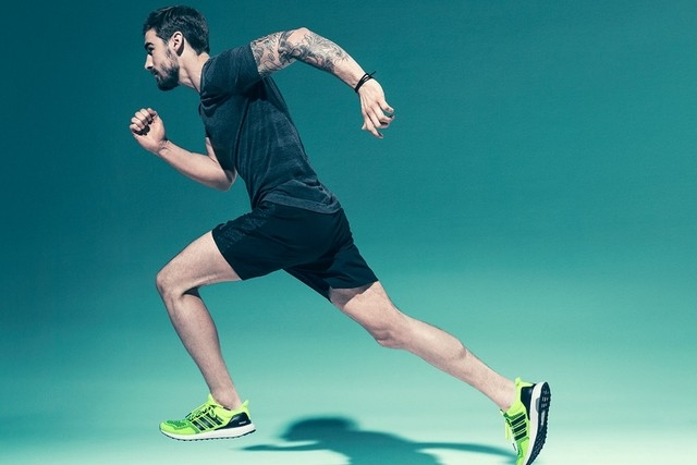 Top 16 Vật dụng cần thiết nhất bạn nên chuẩn bị khi đến phòng tập gym