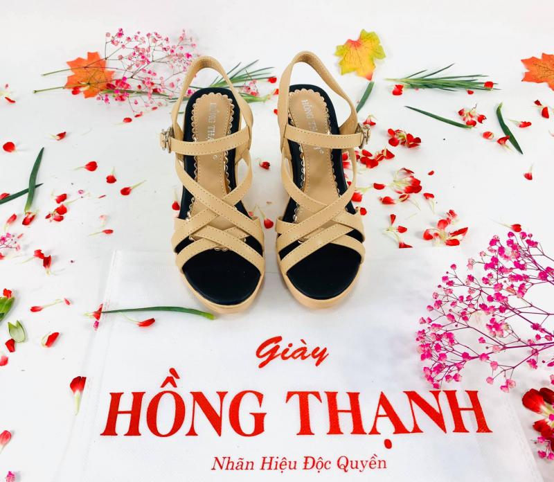 Top 8 Địa chỉ bán sandal đẹp nhất quận Tân Bình, Tp. HCM