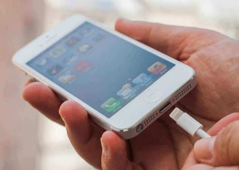 Top 10 Mẹo giúp tăng tốc độ sạc pin cho iPhone hiệu quả nhất
