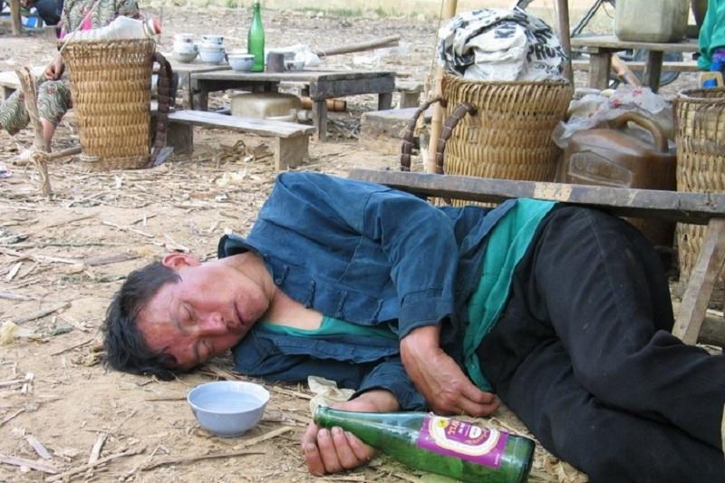 Top 10 Bí quyết uống rượu bia không say, lâu say, giảm tác hại