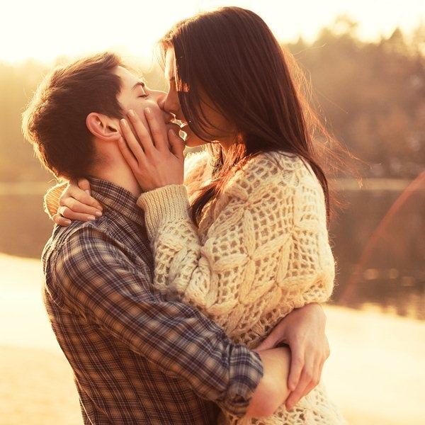 Top 15 Tiểu thuyết ngôn tình hay và cảm động khiến fan khóc nhiều nhất
