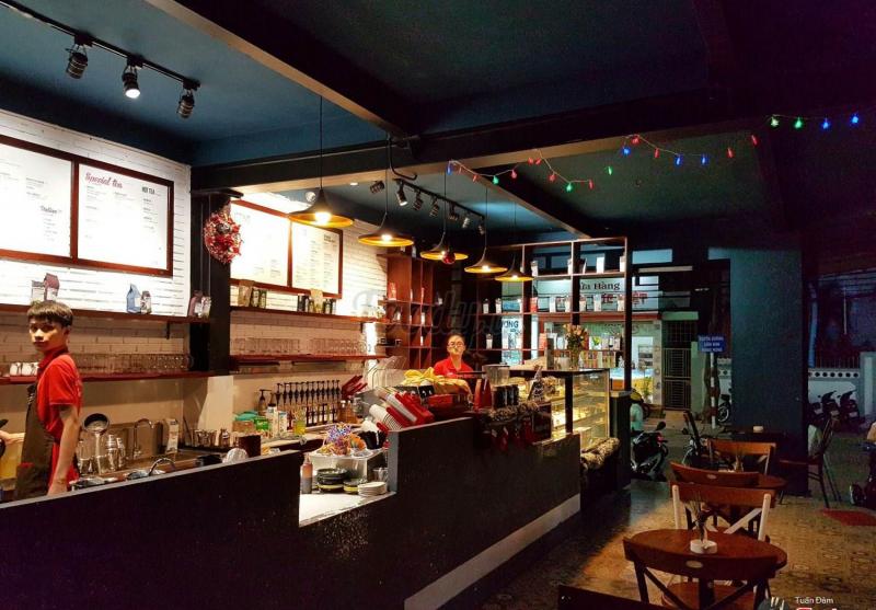 Top 12 Quán cafe hộp có view đẹp ở Nha Trang