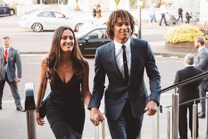 Dàn người đẹp hẹn hò, kết hôn với cầu thủ Hà Lan