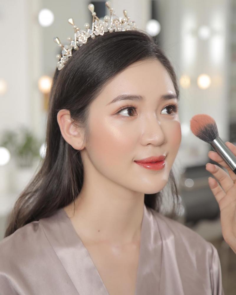 Ken Đinh Makeup and Academy