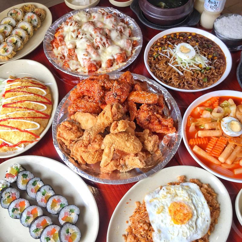 Top 9 Món ngon khu vực Hồ Tùng Mậu, Cầu Giấy