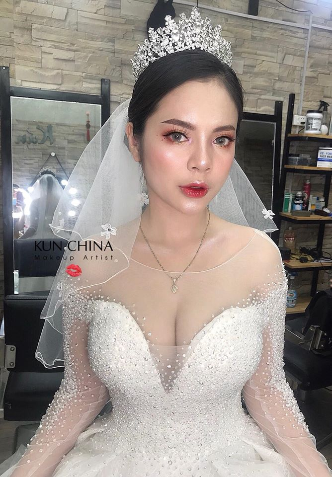 Kún China Makeup