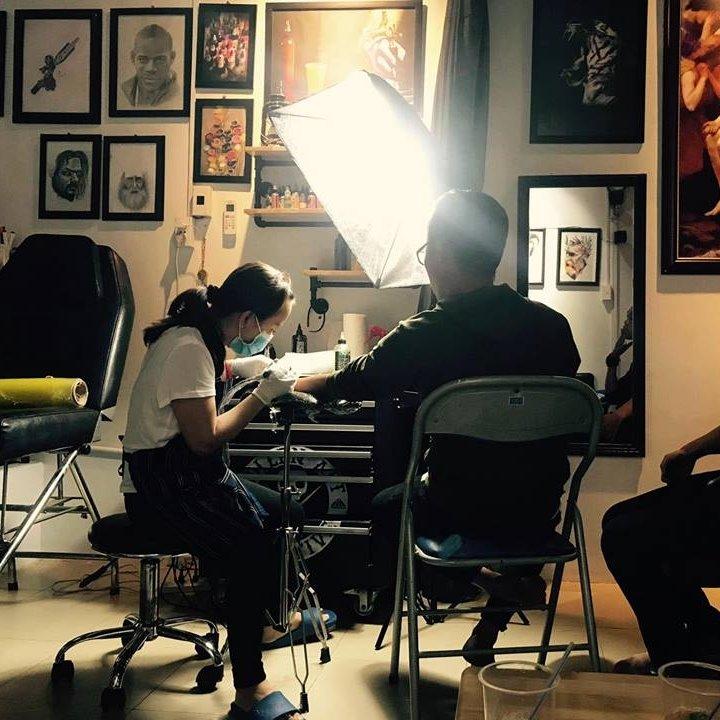 Không gian làm việc của Lạ Tattoo