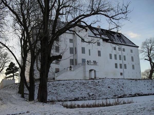Top 10 Lâu đài ma quái đáng sợ nhất trên Thế giới