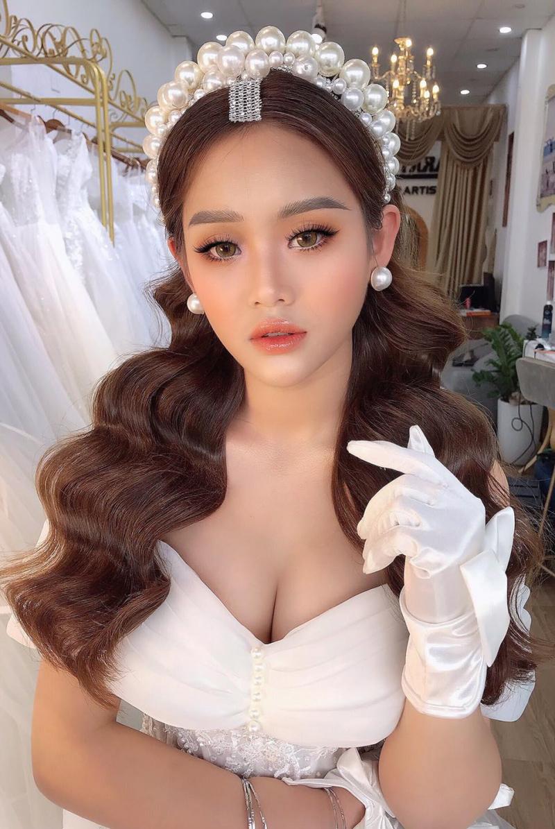 Top 10 Tiệm trang điểm cô dâu đẹp nhất Hưng Yên
