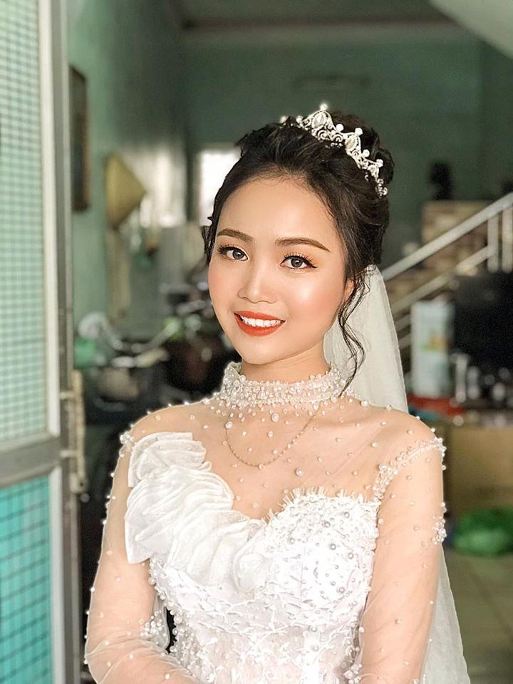 Linh Ưnbi Make Up