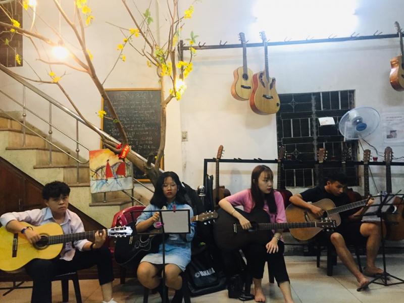 Top 5 địa chỉ học đàn guitar giá rẻ và uy tín nhất dành cho sinh viên Đà Nẵng