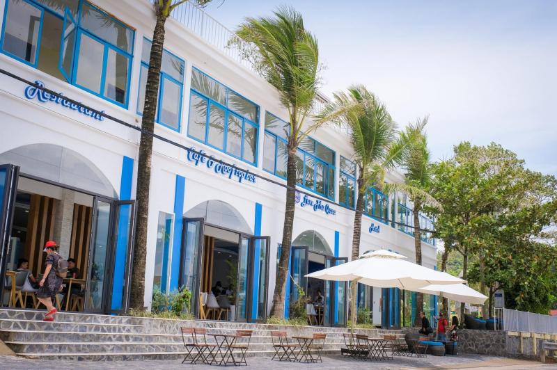 Love Phu Quoc Restaurant & Rooftop Bar